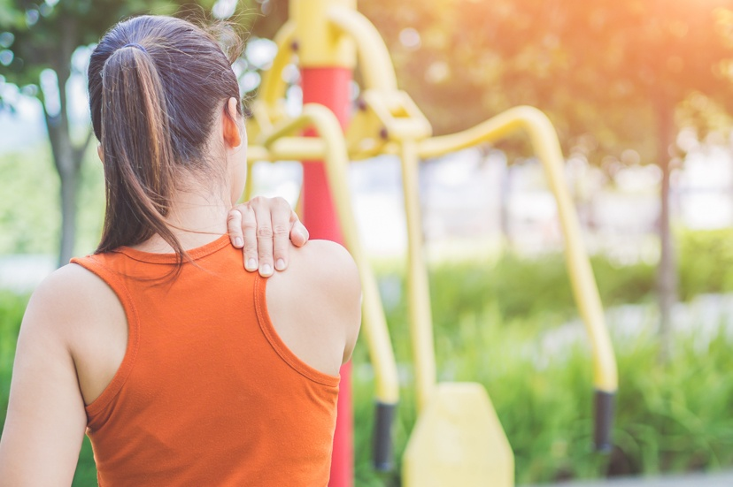6 Reasons Why You May Be Experiencing Upper Back Pain